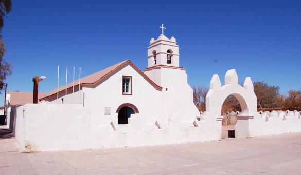 Rent a car - Arriendo de autos en San Pedro de Atacama - Iglesia